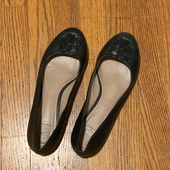 Tory Burch Shoes - Tory Burch Lowell 2 Ballet Flats in Black Leather